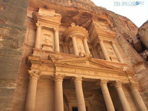 Visiting Petra Jordan the mazing 45 metre high treasury #petra #wondersoftheworld #roseredcity #jordan #visitingpetra #paulandcarole