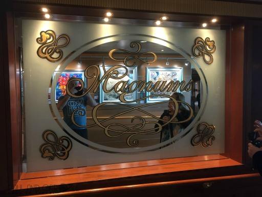 P&O Oceana Cruise Ship Magnums #champagnebar #fizz #cocktails #predinnerdrinks #afterdinnerdrinks #magnums #oceana