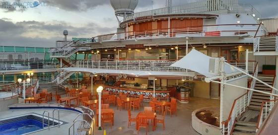 P&O Oceana - sun deck #P&O #P&O Oceana P&O cruises #europeancruiseports #cruises #shiplife #sundeck #relaxation #sunshine #swimming