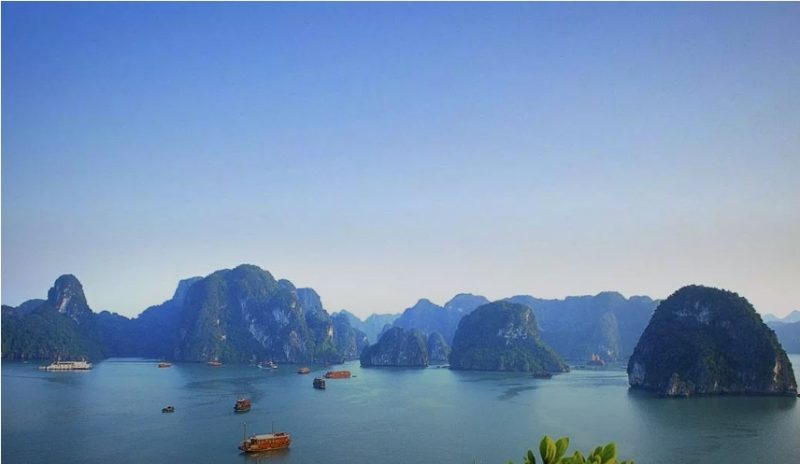 Halong Bay Emerald waterways cruises