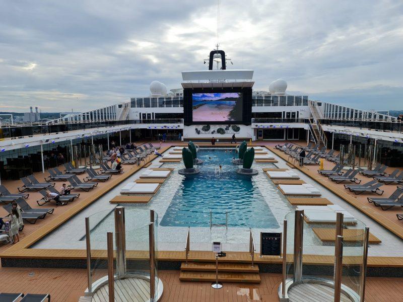 Atmosphere Pool Deck 15 MSC Virtuosa