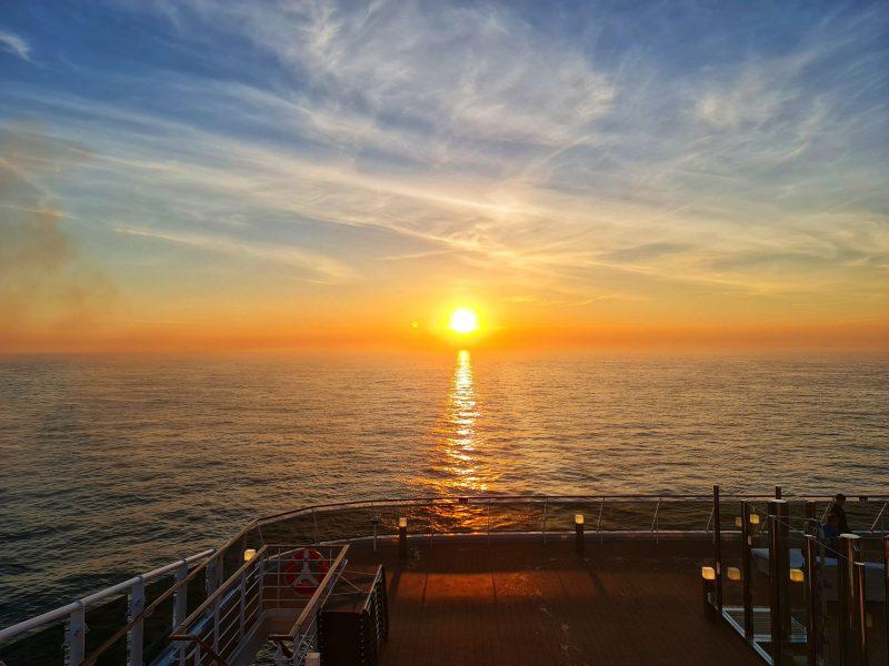 sunset horizon bar msc virtuosa cruise ship uk seacation
