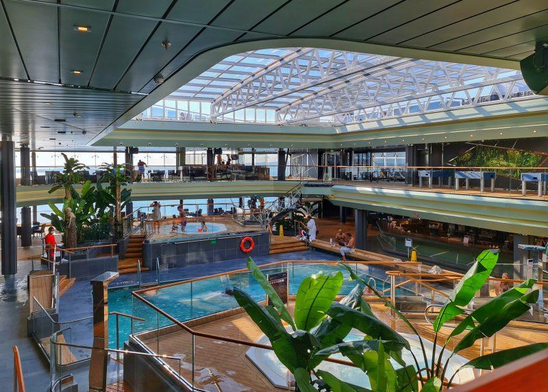 Tropical Pool Deck 15 MSC Virtuosa